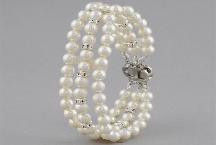 3 Strand Pearl Classic Bracelet
